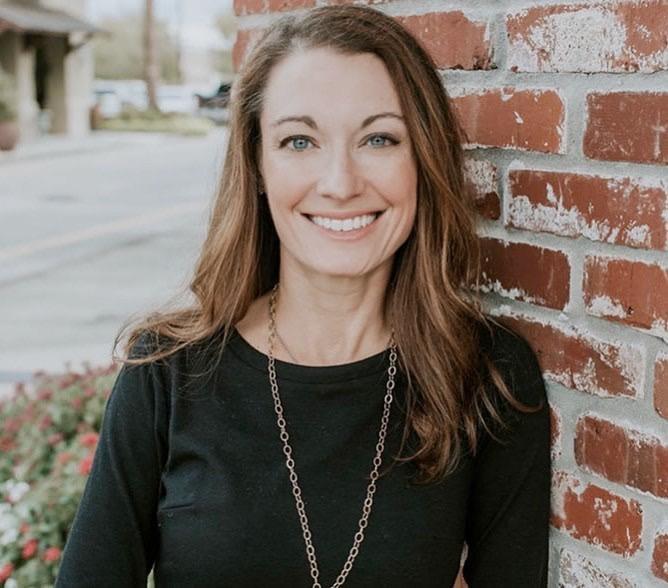 Dr. Melanie Fowler
